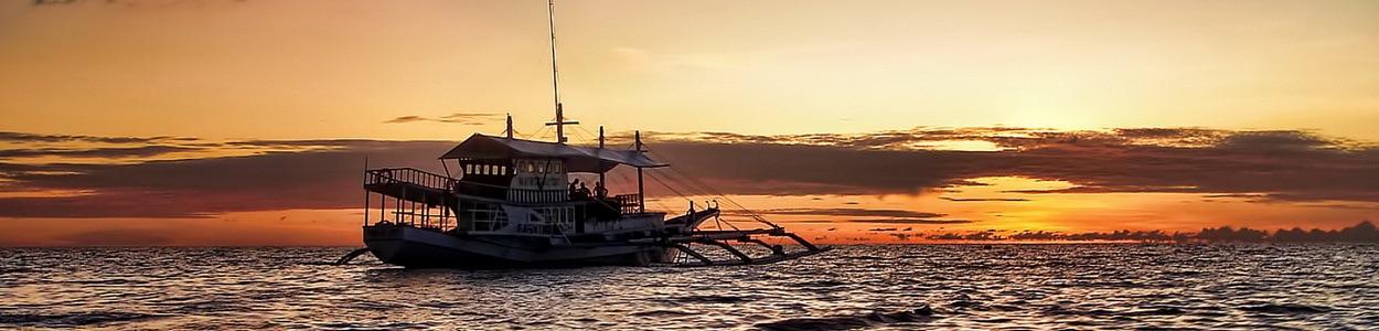 Un génial coucher de soleil devant l'île de Negros.