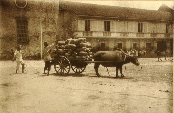 Une photo d'autrefois de la vie aux Philippines.