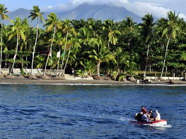 À la fin de la journée, les plongeurs sont transférés à l'hôtel par zodiac.